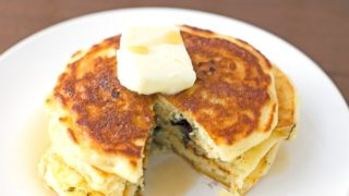 Fluffy Blueberry Buttermilk Pancakes Recipe
