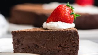 Best Flourless Chocolate Cake Recipe (Gluten-Free)